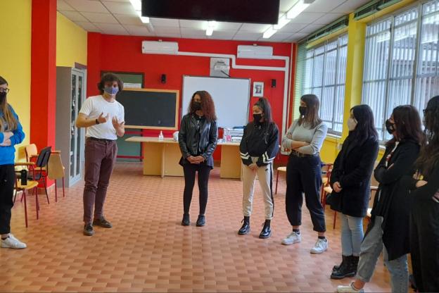 Gli studenti del Ferrari di Susa a scuola di Teatro con Enrico Montesano