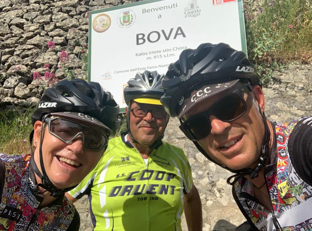 A 73 anni va in bici da Giaveno a Bova (Rc): la storia di Leo Iiriti