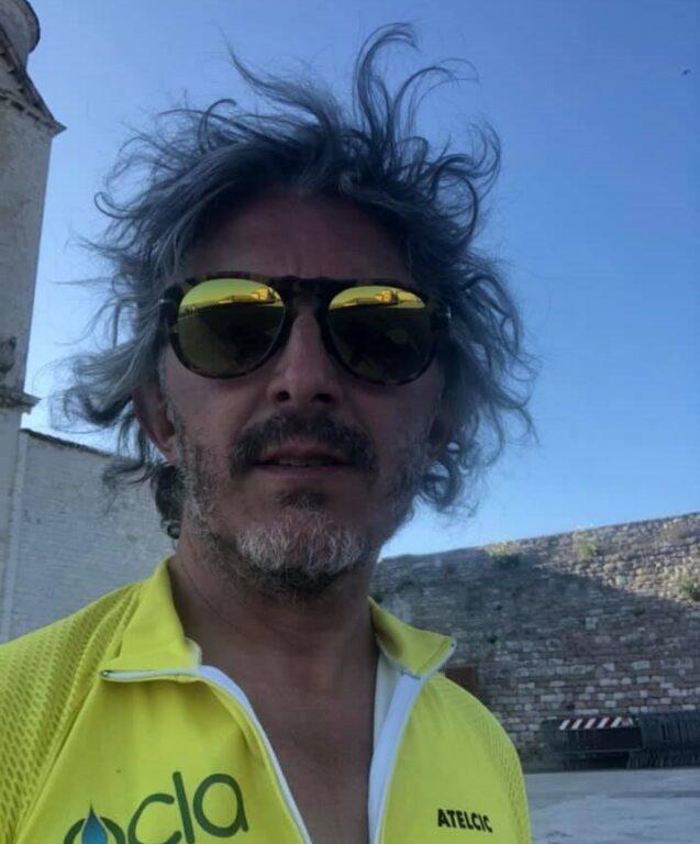 Il giavenese Fulvio Oberto è arrivato ad Assisi in bici