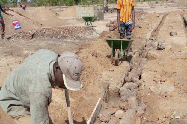 Sono iniziati i lavori per la costruzione della nuova scuola a Dorà (Burkina Faso)