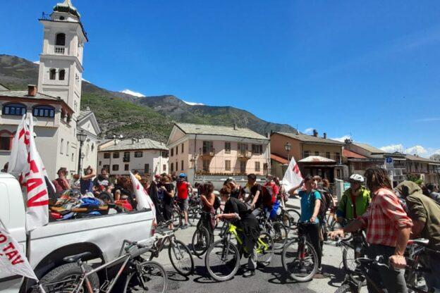 Susa, biciclettata No Tav senza la piazza e l'incontro pubblico