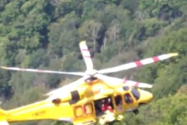 Caprie, cercatore di funghi precipita in un bosco: recuperato dall'elicottero