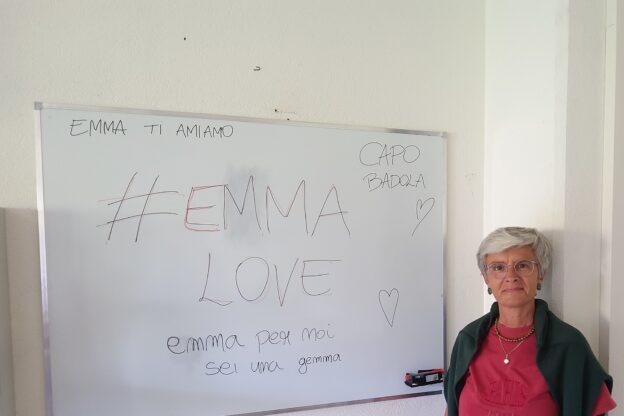"""Giaveno, la """"prof"""" Emma Pace dice """"bye bye"""" al Pascal e va in pensione"""