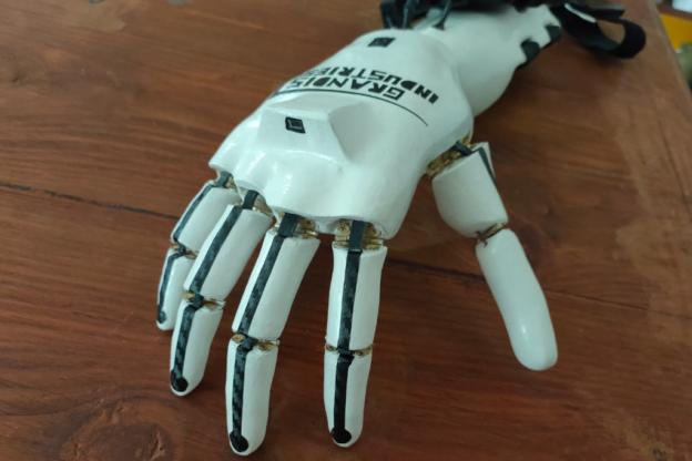 La storia di Andrea e Nicolas, due amici che si danno una mano… robotica