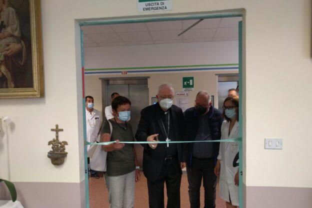 Mons. Nosiglia ha consacrato la cappella dell'ospedale di Rivoli