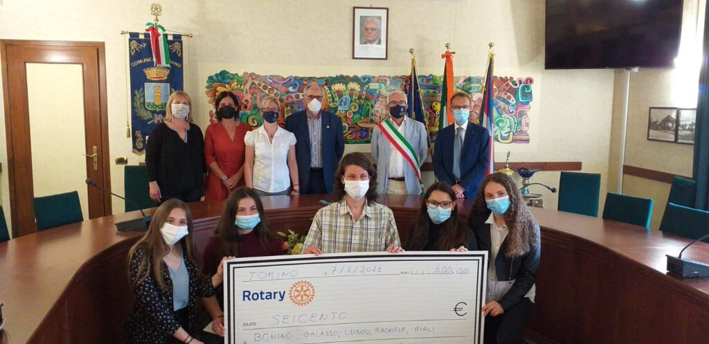 Il Rotary premia a Sangano cinque studenti meritevoli delle scuole valsangonesi
