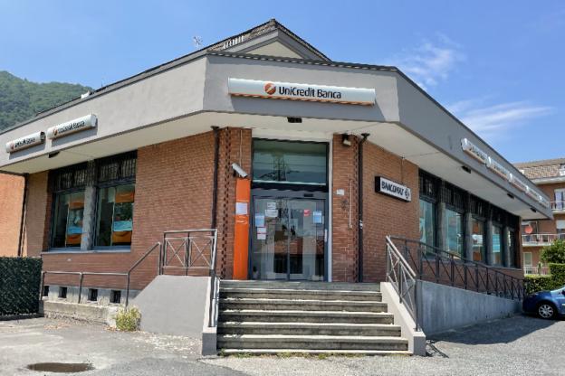 Sant'Ambrogio, dopo la chiusura della filiale il bancomat è spesso fuori servizio