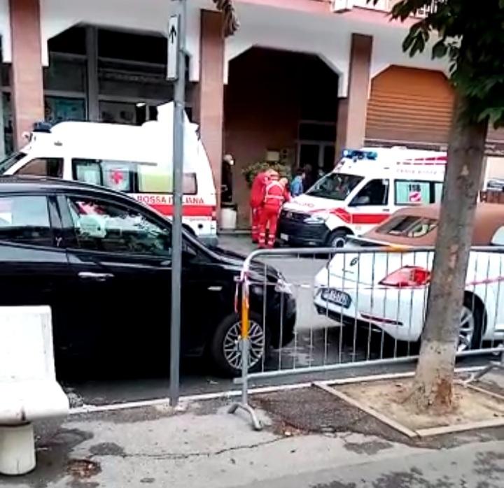 Giaveno, uomo in stato confusionale soccorso in viale Regina Elena
