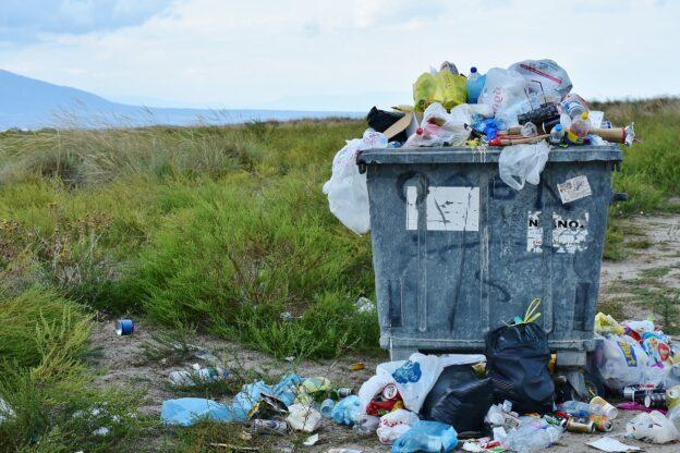 """Giaveno, abbandonano dei rifiuti ma vengono """"beccati"""" dalle telecamere"""