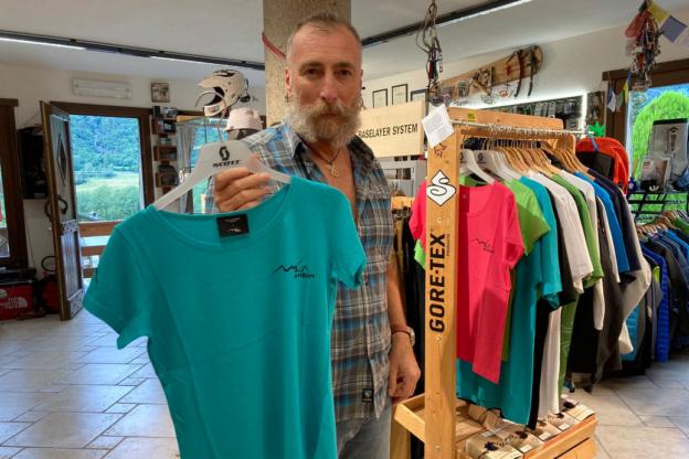 Da Novalesa le t- shirt in 4 colori per aiutare le donne migranti