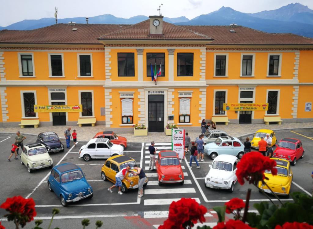 La Val di Susa protagonista della Festa Planetaria della storica Fiat 500