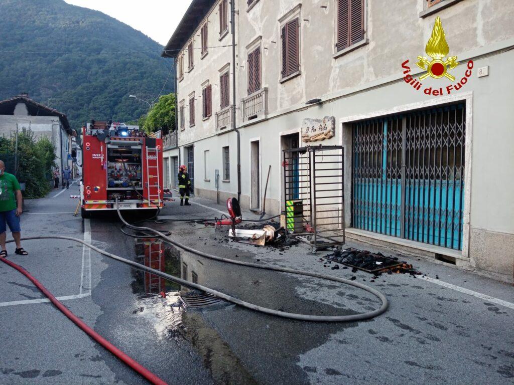 Chiusa San Michele, panetteria in fiamme