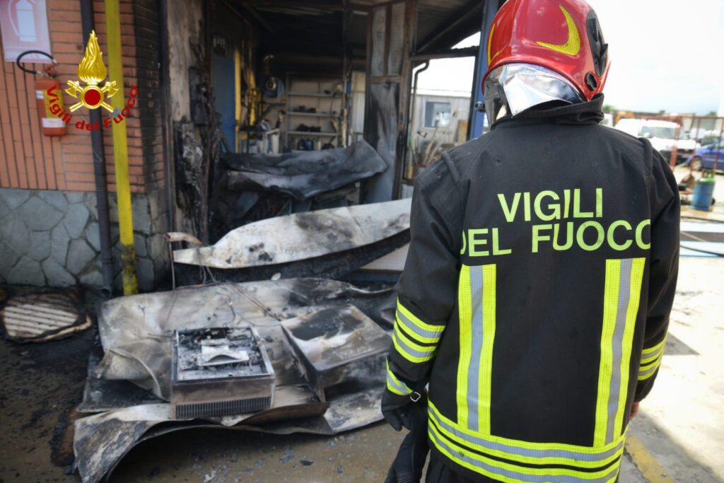 Orbassano, incendio a un quadro elettrico di una carrozzeria