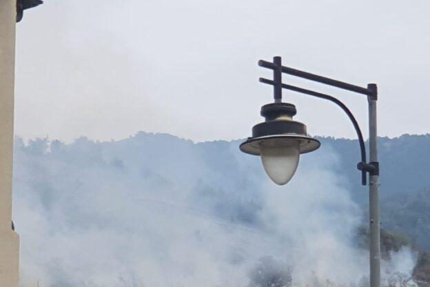 Bruciano i boschi montani sopra Condove