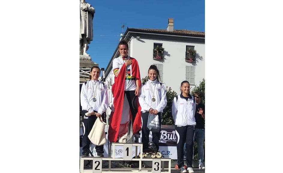 Pattinaggio, medaglia di bronzo per la giovane condovese Sabrina Vitarelli