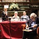 Giaveno, Sgarbi presenta il libro di Alessandri ed è subito show